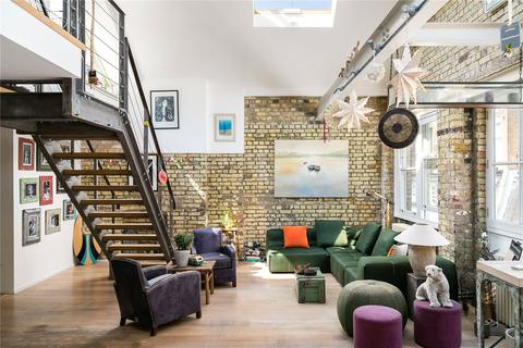 3 bedroom apartment for sale - Brook Mews North, Lancaster Gate, London, W2