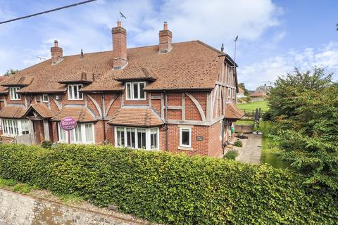 3 bedroom end of terrace house for sale - Church Street, BINSTED, Hampshire