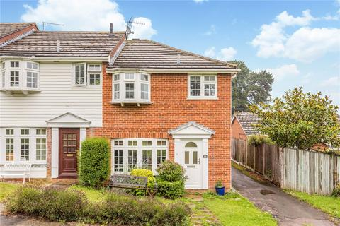 3 bedroom end of terrace house for sale - Brill Close, Marlow, Buckinghamshire, SL7