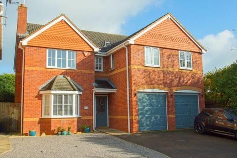 5 bedroom detached house for sale - Findon Close, Redditch