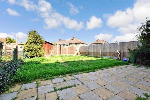 1 bedroom ground floor flat for sale - Arden Crescent, Dagenham, Essex