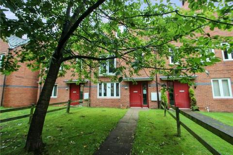 4 bedroom townhouse - Swithland Road, West Timperley, Altrincham