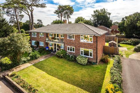 2 bedroom flat for sale - The Glebe, Horley, Surrey, RH6