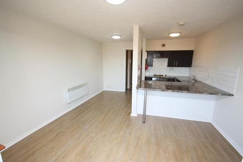 1 bedroom flat to rent - Cotton Avenue, Acton, London, W3 6YG