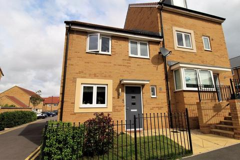 3 bedroom semi-detached house to rent - Hawthorn Way, Lyde Green, Bristol