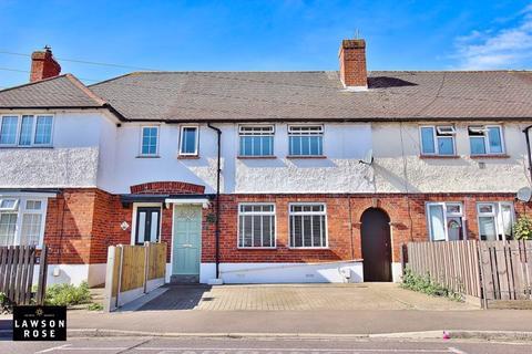 3 bedroom terraced house for sale - Salterns Avenue, Milton
