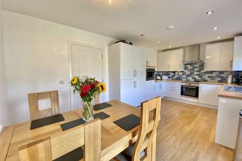 3 bedroom semi-detached house for sale - Wallingfield Court, Wales, Sheffield, S26 5RP