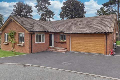 3 bedroom detached bungalow for sale - The Paddock, Willaston, Cheshire