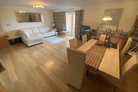 2 bedroom flat to rent - Penstone Court, Chandlery Way, Cardiff