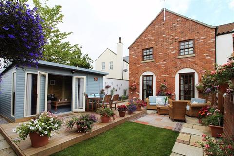 4 bedroom end of terrace house for sale - 14 Cobble Field, Back Street, Langtoft, East Yorkshire