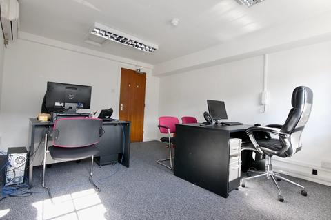 Office to rent - South Street, Dorking, RH4