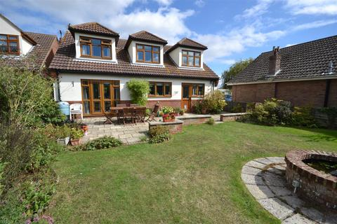4 bedroom detached house for sale - Mount View Crescent, St Lawrence