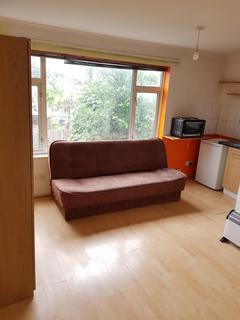 1 bedroom apartment to rent - 15 Hallam Road,