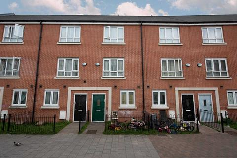 4 bedroom townhouse for sale - Evergreen Mews, Salford