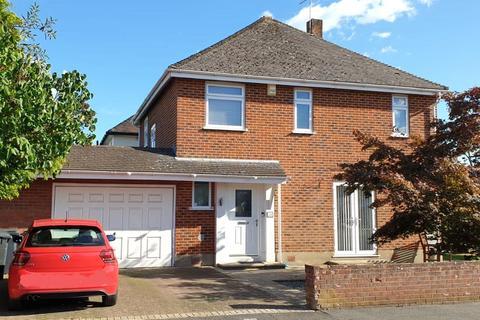 3 bedroom detached house for sale - Cedar Avenue, Northbourne, Bournemouth, Dorset, BH10