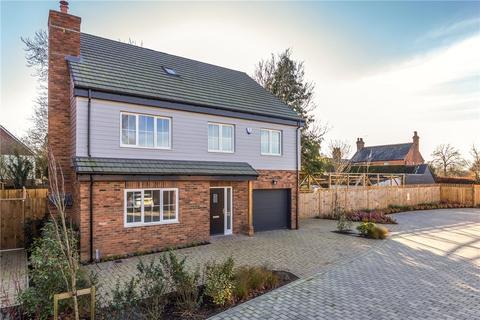 5 bedroom detached house for sale - Burgess Place, Burnham Green