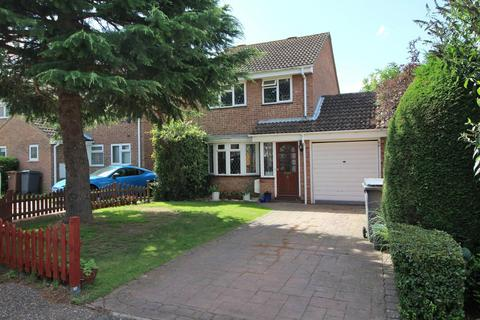 3 bedroom detached house for sale - Harness Close, Chelmsford, Essex, CM1
