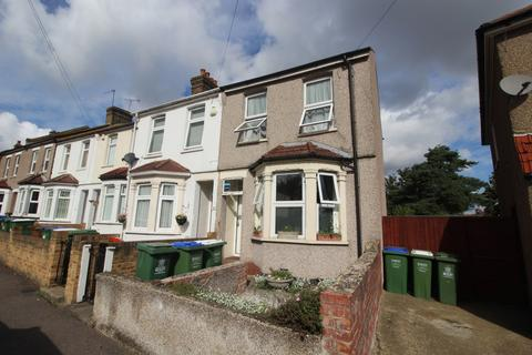 2 bedroom semi-detached house to rent - Wickham Street Welling DA16