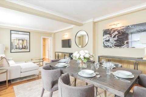 3 bedroom apartment to rent - Hill Street, Mayfair, London, W1J
