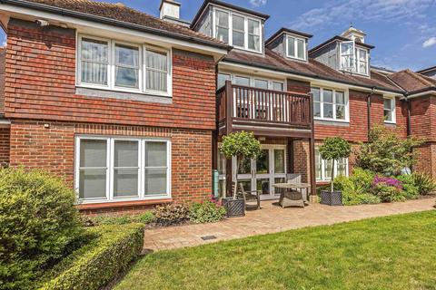 3 bedroom flat for sale - St. Mary's Court, Beaconsfield, HP9