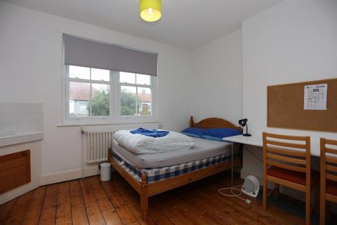 Flat to rent - Dyke Road, Brighton