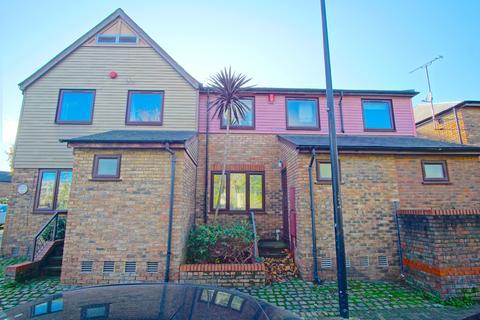 5 bedroom terraced house to rent - Lagado Mews, London SE16