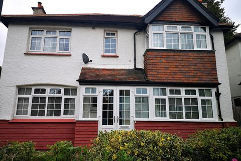 3 bedroom detached house to rent - Purley Oaks Road, Purle#y CR2