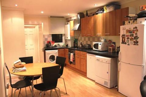 3 bedroom house share to rent - Denison Road, LONDON, SW19