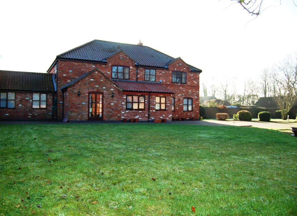 4 Bedrooms Link Detached House for sale in Willows Court, Stallingborough Road, Immingham DN40