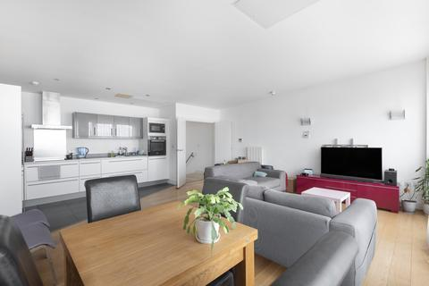 3 bedroom flat for sale - Cadogan Road London SE18