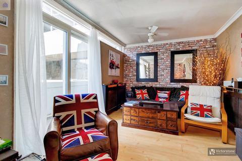 3 bedroom maisonette for sale - Petticoat Square Middlesex Square,  London, E1