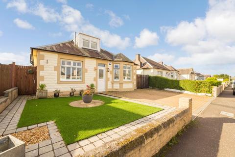 3 bedroom detached bungalow for sale - 12 Stapeley Avenue, Craigentinny, Edinburgh EH7 6QP