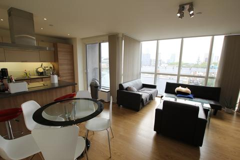 2 bedroom apartment to rent - Panoramic Tower, Hay Currie Street, London, E14