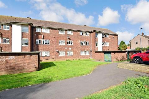 2 bedroom flat for sale - Hatch Grove, Romford, Essex