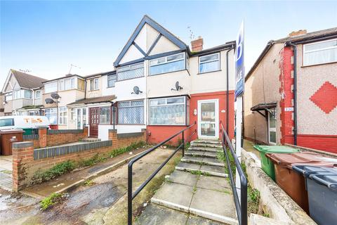 3 bedroom terraced house to rent - Beam Avenue, Dagenham RM10