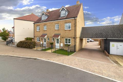 4 bedroom semi-detached house for sale - Bridgefield, Ashford, Kent, TN25 7FH