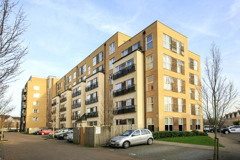 2 bedroom flat for sale - Lanadron Close, TW7