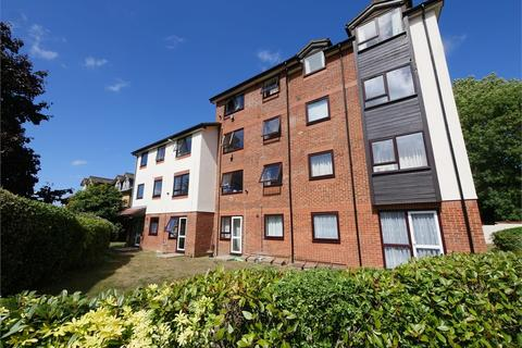 1 bedroom flat for sale - Gresham Road, Staines-upon-Thames, Surrey