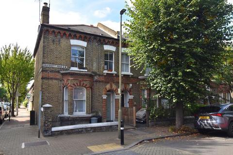 1 bedroom flat for sale - Grayshott Road, London, SW11