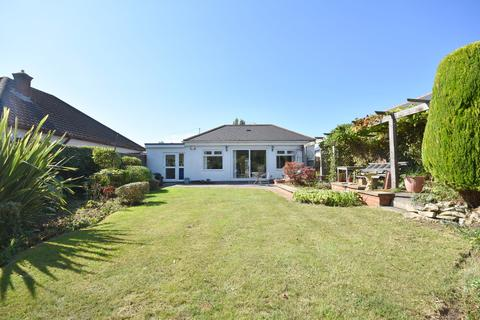 2 bedroom detached bungalow for sale - 31 Augusta Crescent, Penarth, CF64 5RL