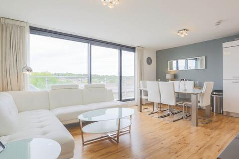 2 bedroom apartment to rent - Gavin Bank, Geoffrey Watling Way, Norwich, Norfolk, NR1