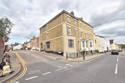 6 bedroom end of terrace house for sale - East Hill, Colchester, CO1 2QN