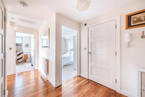 2 bedroom flat to rent - Ensham Court, 12 Gatton Road, London, SW17