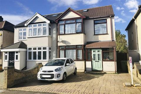 3 bedroom semi-detached house - Cherry Tree Lane, Rainham, Essex