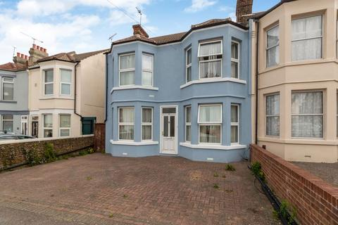 4 bedroom semi-detached house to rent - Nelson Road, Gillingham