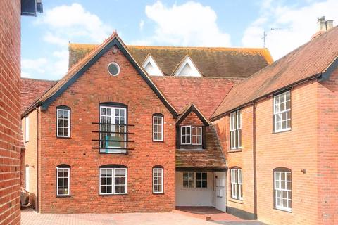 2 bedroom apartment to rent - Church Street, Wantage