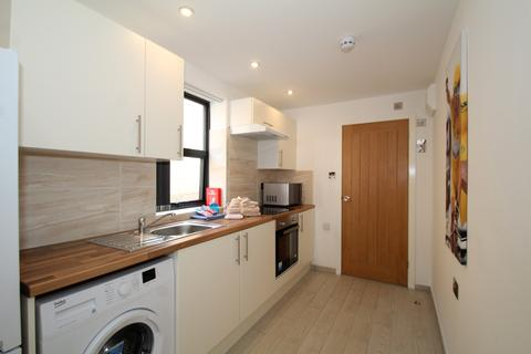 Studio to rent - Alfreton Road, Lenton, Nottingham
