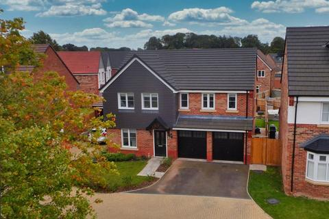 5 bedroom detached house for sale - Overton Close, Eccleshall