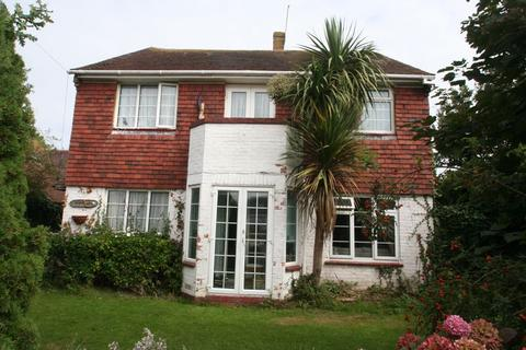 3 bedroom detached house for sale - 5 Chalet Road, Worthing