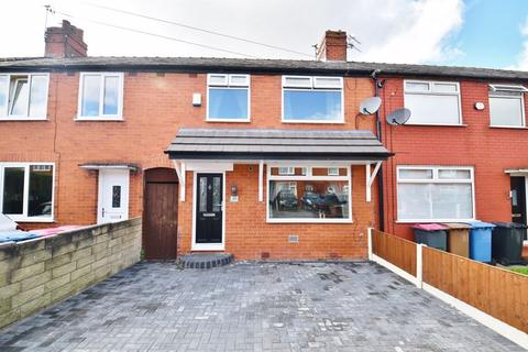 3 bedroom terraced house for sale - Lulworth Road, Eccles
